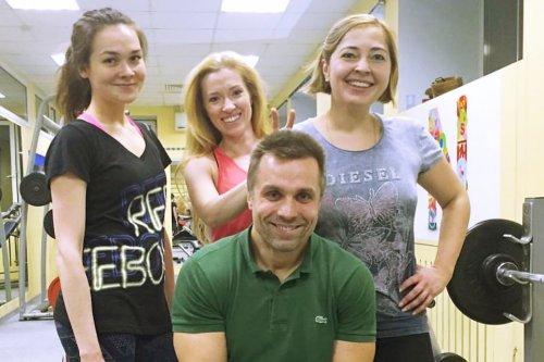 Фитнес тренер Лев Гончаров. Тренировки для женщин.